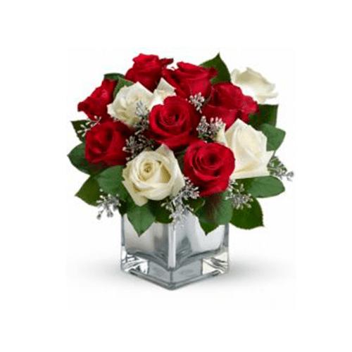 18 rosas en flores vidrio cuadrado