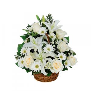 Canasta 9 liliums y 9 rosas blancas