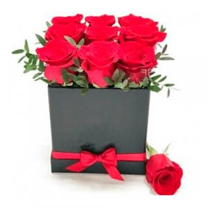 Caja roja de corazon con surtido flores